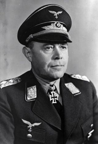 Bild: Generalfeldmarschall Albert Kesselring. Auf dem Bild von 1940 ist Kesselring noch mit den Rangabzeichen eines Generals zu sehen. Bild: Under the licence of Commons:Bundesarchiv. Deutsches Bundesarchiv (German Federal Archive), Bild 183-R93434.